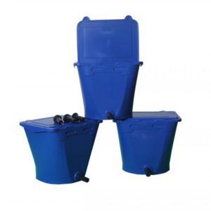 3 Blauwe ECF 1 Drinkbakken Wennemars